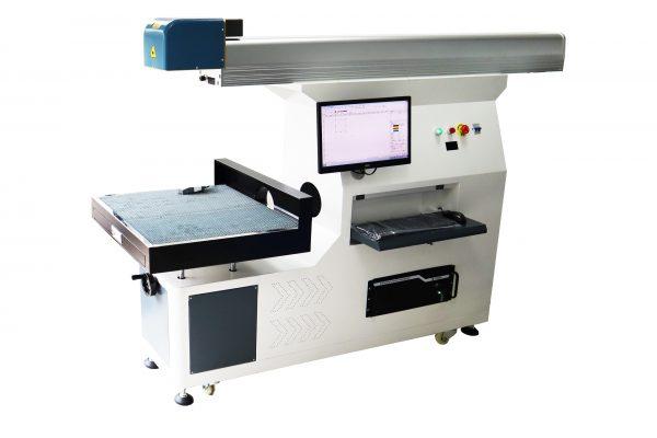 masina de gravat laser CO2 warp 9
